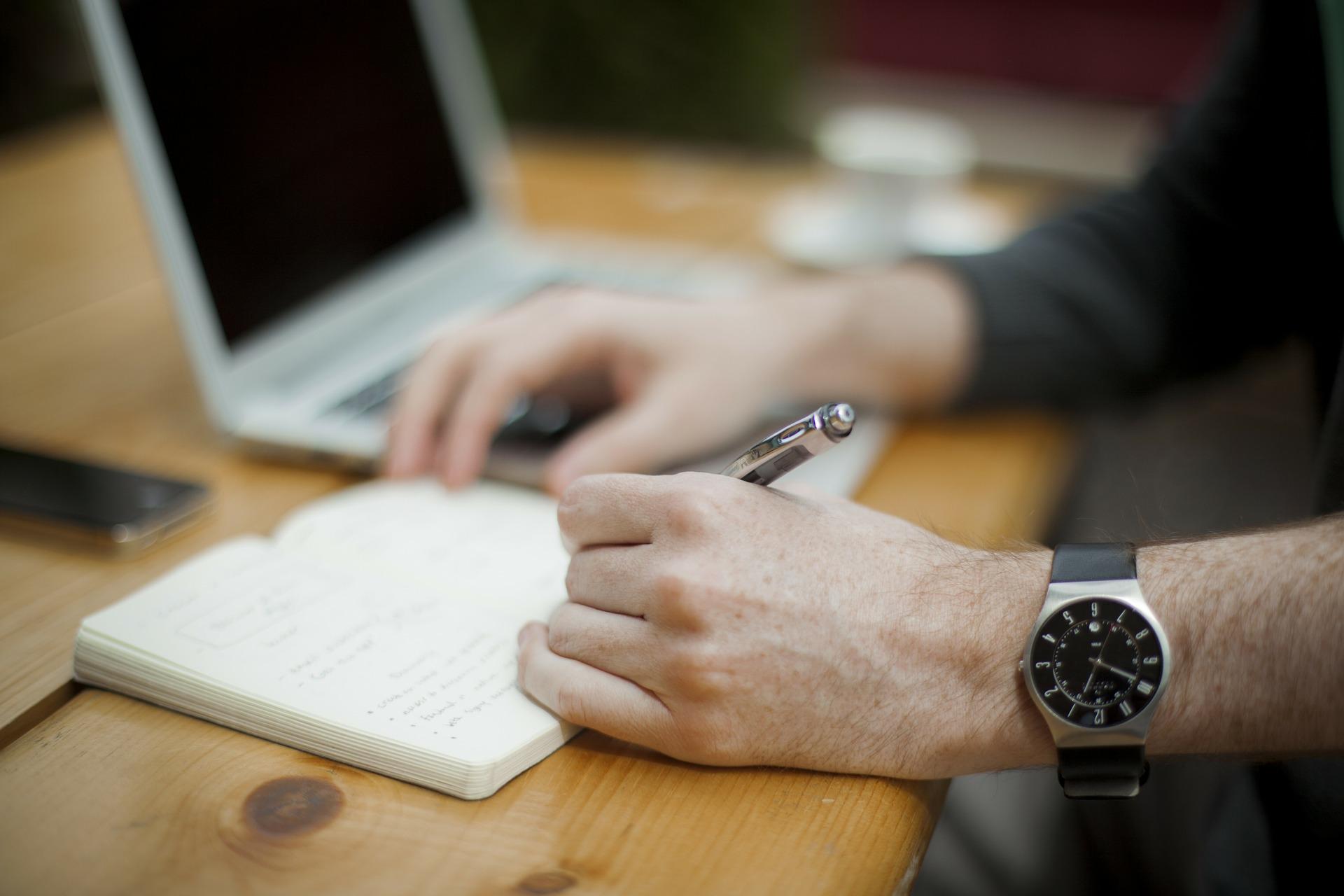 ¿Sabes cómo pedir un retiro de ahorro voluntario?